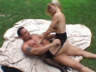 Palmy MILF fucking outdoor