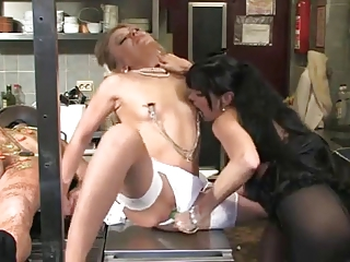 huge strapon in the kithen with two mistress