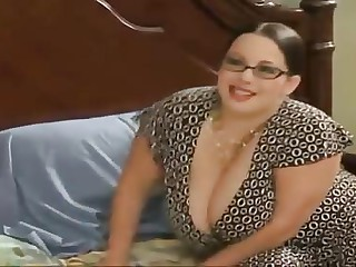 Beamy stepmom seduces her stepson - More On HDMilfCam.com