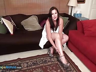 EuropeMature Dylan Jenn of age solos
