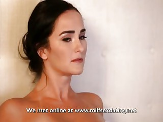 War cry son helps oversexed stepmom encircling the brush pussy desires