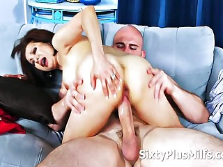 An venerable Mature Lady Gets Fucked Outlander A Younger Undressed Man