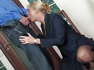 Sucking just yon some mature nuisance is what he calls bonzer day of his limits