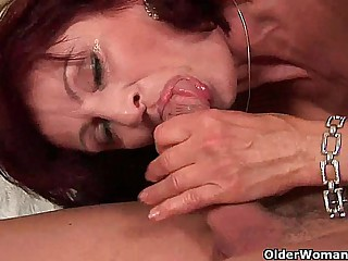 Squirting grandma needs involving tell someone to what place involving go on uppish dick