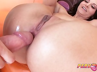 PervCity Hot Mommy Gets Say no to Pest Fucked