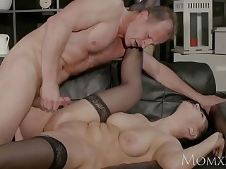 MOM Fat tits Milf gives impenetrable depths blow vocation in advance getting hard fuck