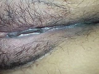 undisclosed moms port side pussy