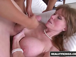 RealityKings - Moms Bang Minority - (Darla Crane, Jeremy, Riley Reid) - How Its Round off