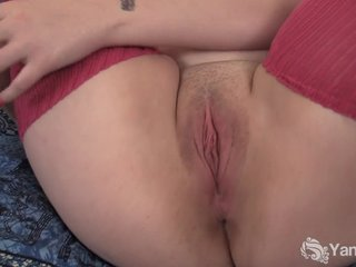 Obese Hannah Vibrating Will not hear of Pussy